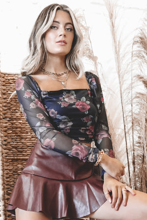 MOTEL Amara Gothic Rose Top