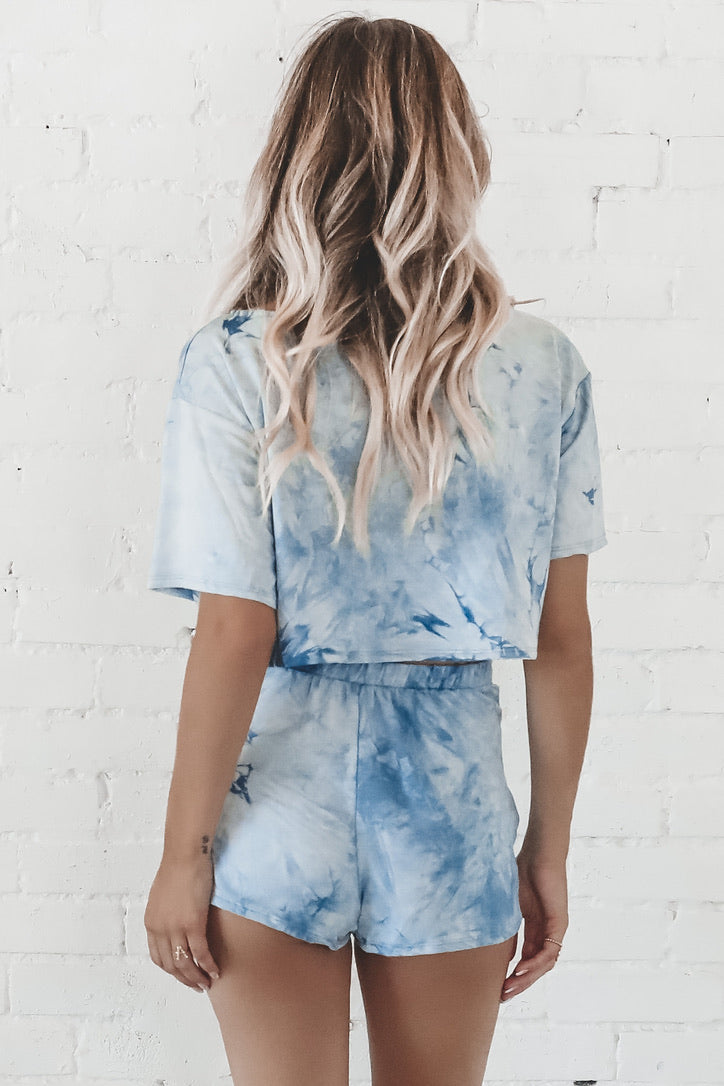 Hug It Out Blue Tie Dye Set