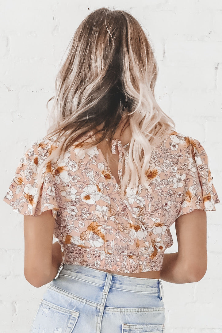 Band Of Gypsies Lanai Flutter Sleeve Floral Crop