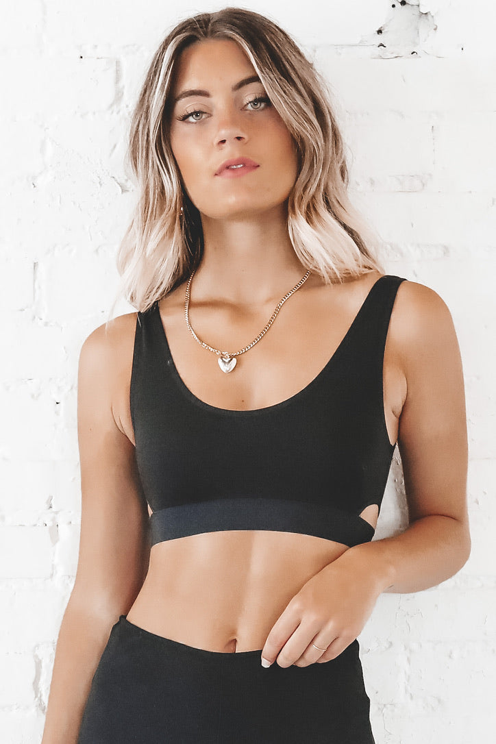 RICHER POORER Black Scoop Bralette