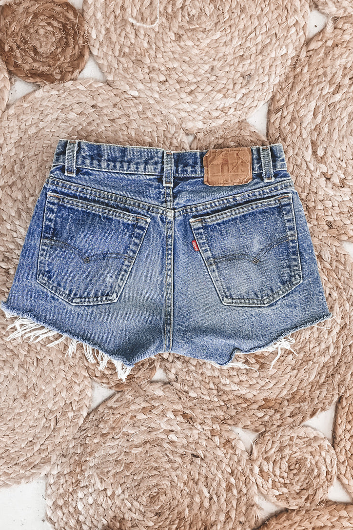 "Vintage Levi's 501 High Waist Shorts ""Mom Jeans"" 28"