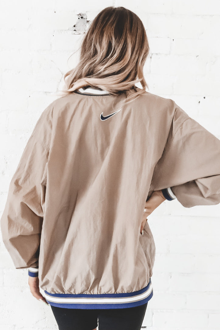 Poderoso aprender esencia  VINTAGE 90's Tan And Navy Nike Pullover Windbreaker 144– Amazing Lace