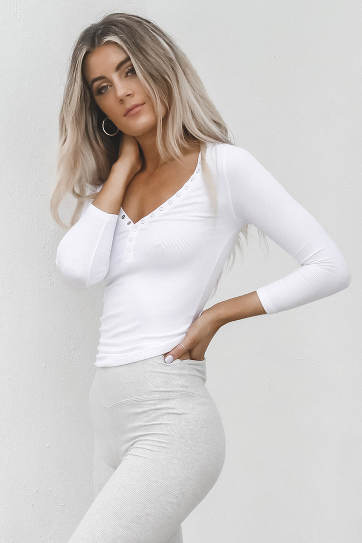 JOAH BROWN White Ribbed Snap Henley Top