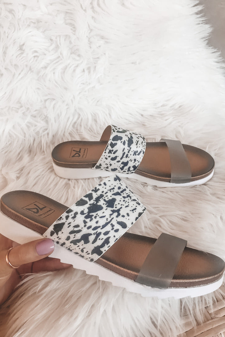 DIRTY LAUNDRY Coastline Poney Sandals