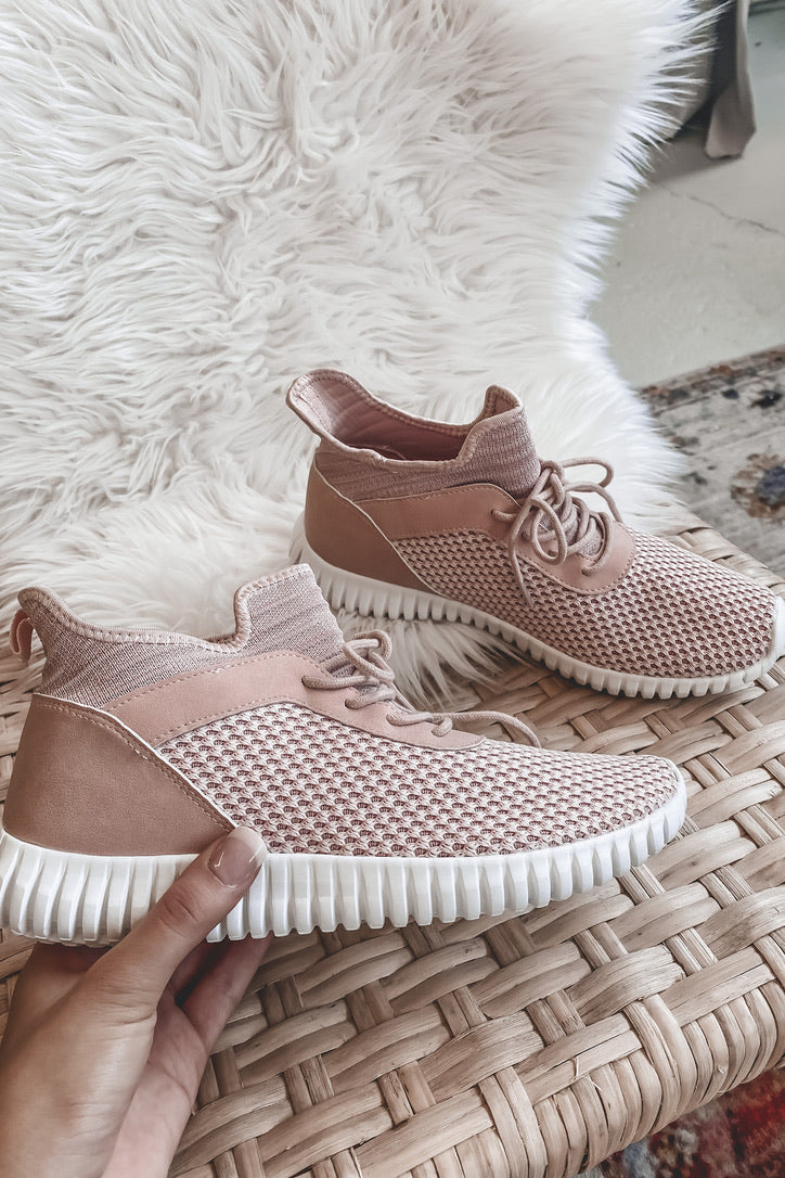 DIRTY LAUNDRY Harlen Knit Blush Sneaker