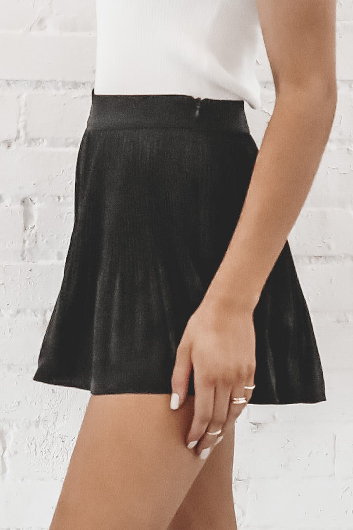 Summer Date Night Black Pleated Shorts