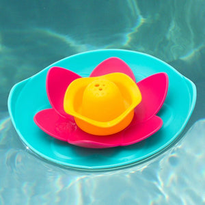 Bath Toy Lili Floating Flower - Quut - bath toys - Bmini | Design for Kids