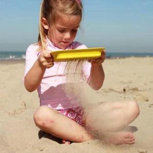 Beach Toy Scoppi - Quut - Beach Toys - Bmini | Design for Kids