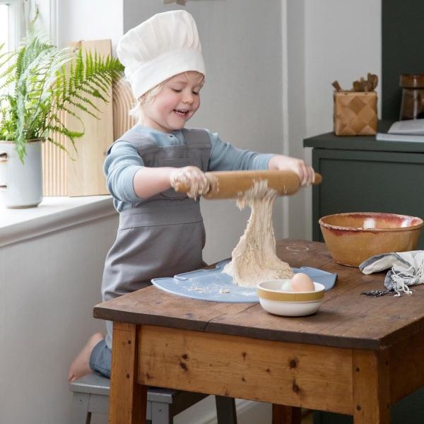 Sebra - Apron and hat - Grey - Kitchen - Bmini | Design for Kids