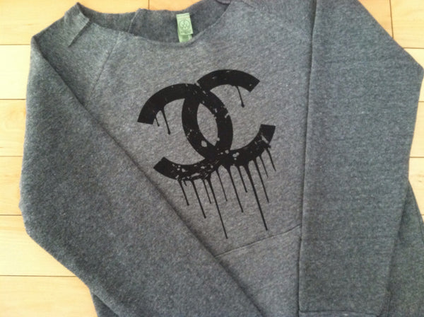 Dripping CC Off Shoulder Sweatshirt