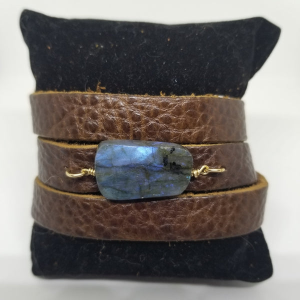 pyrenees-leather-bracelete