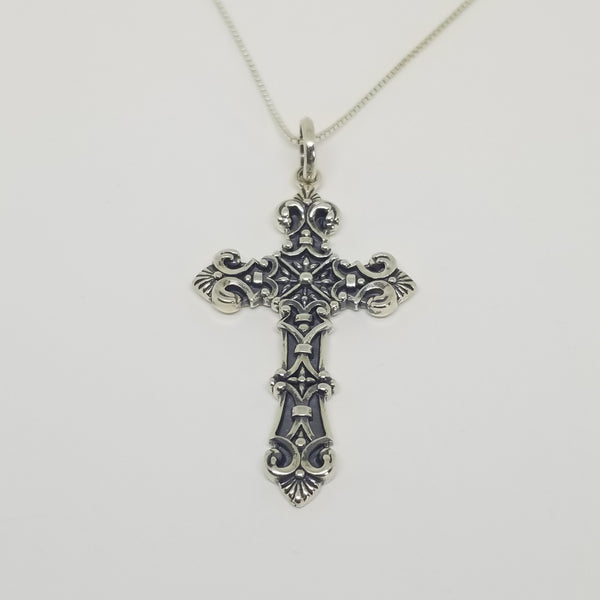 queen-caterina-cross-necklace