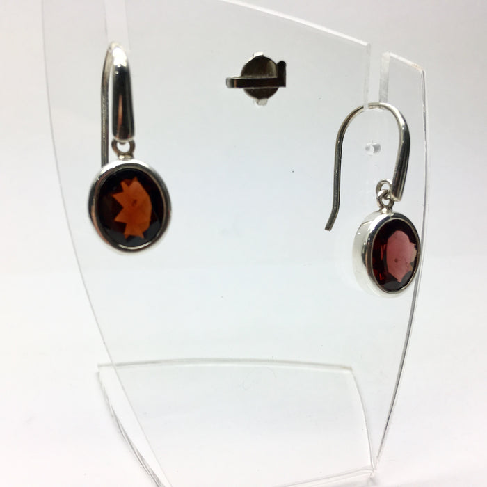 Garnet Earrings,  Faceted Oval, 925 Silver dK