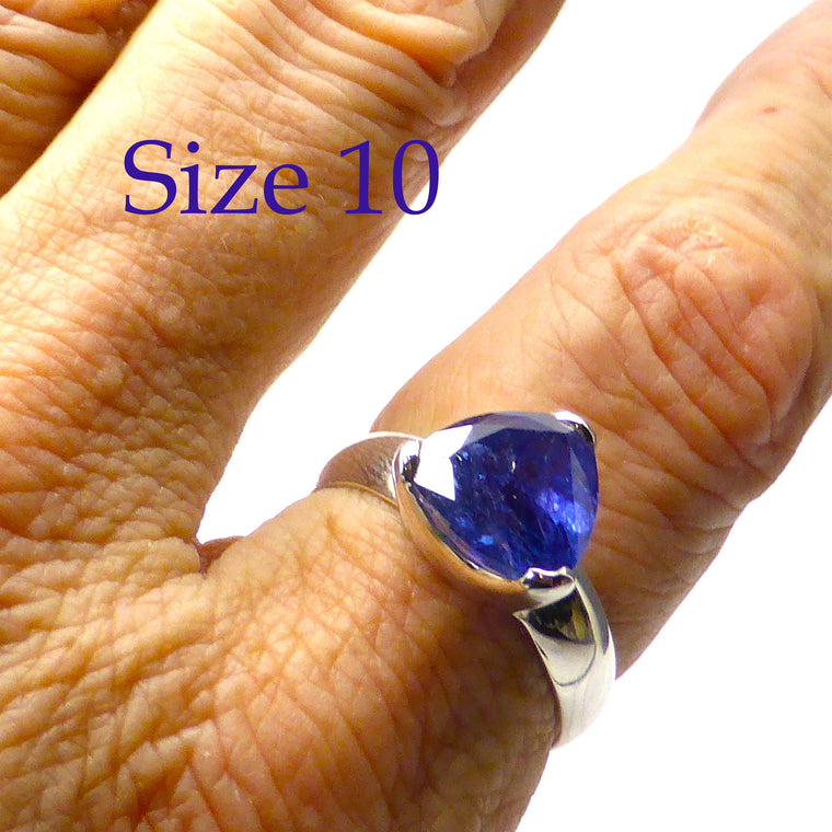 Tanzanite Ring | Faceted Triangle | 925 Silver G17