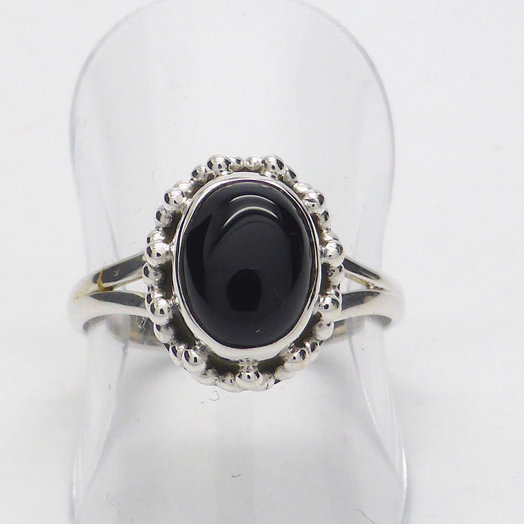Black Onyx Ring, Oval Cabochon, ks