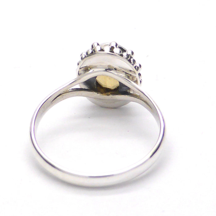 Citrine Ring | Faceted I Oval | 925 Sterling Silver | Lovely small ring | Size 5,6,7,8,9,10 | Crystal Heart Melbourne Australia since 1986