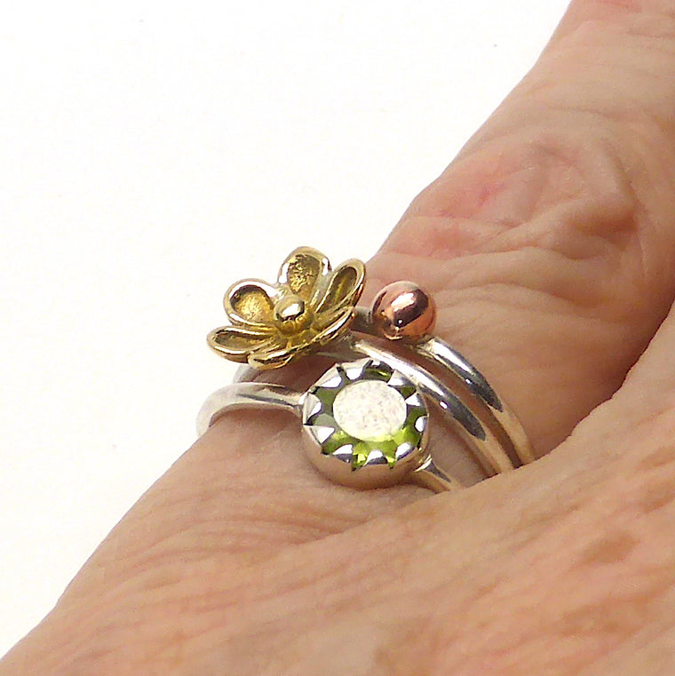Peridot Ring | 925 Silver with Gold Flower gf