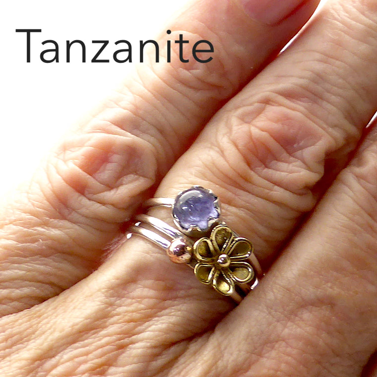 Tanzanite Ring | Cabochon Round | 925 Silver with Gold Flower gf
