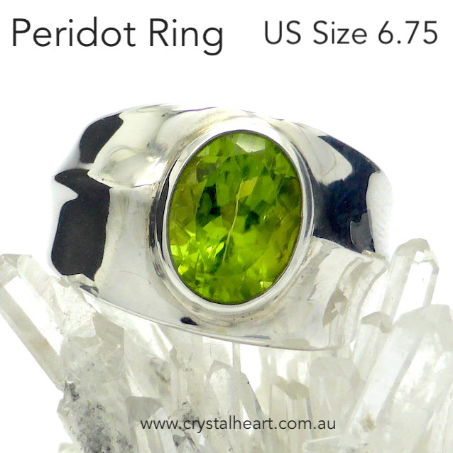Peridot Ring, Faceted Oval, 925 Silver, DK2