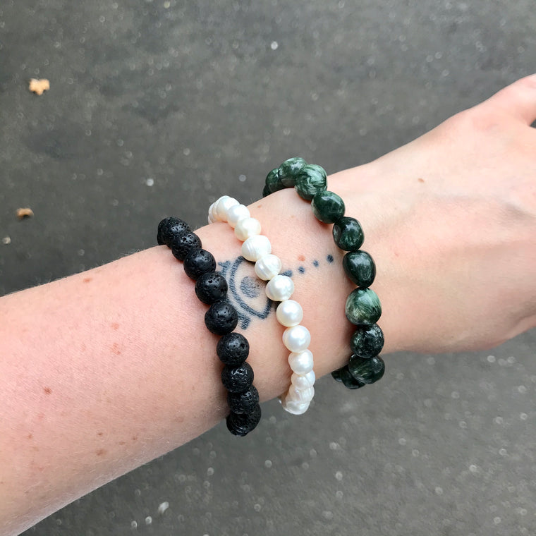 Lava, Pearl, Seraphinite Beaded Bracelet's