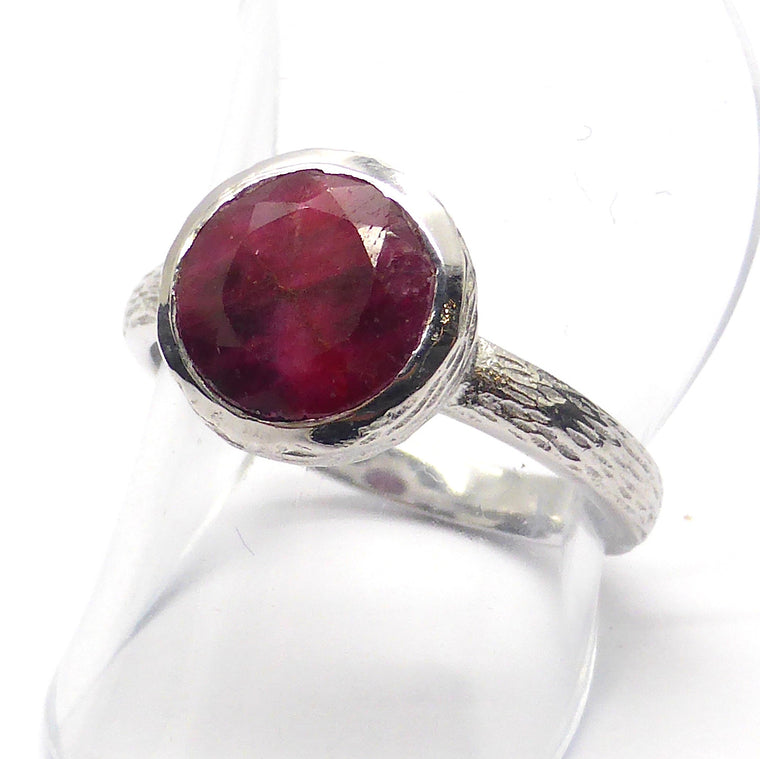 Ruby Ring, Faceted Round, 925 Silver