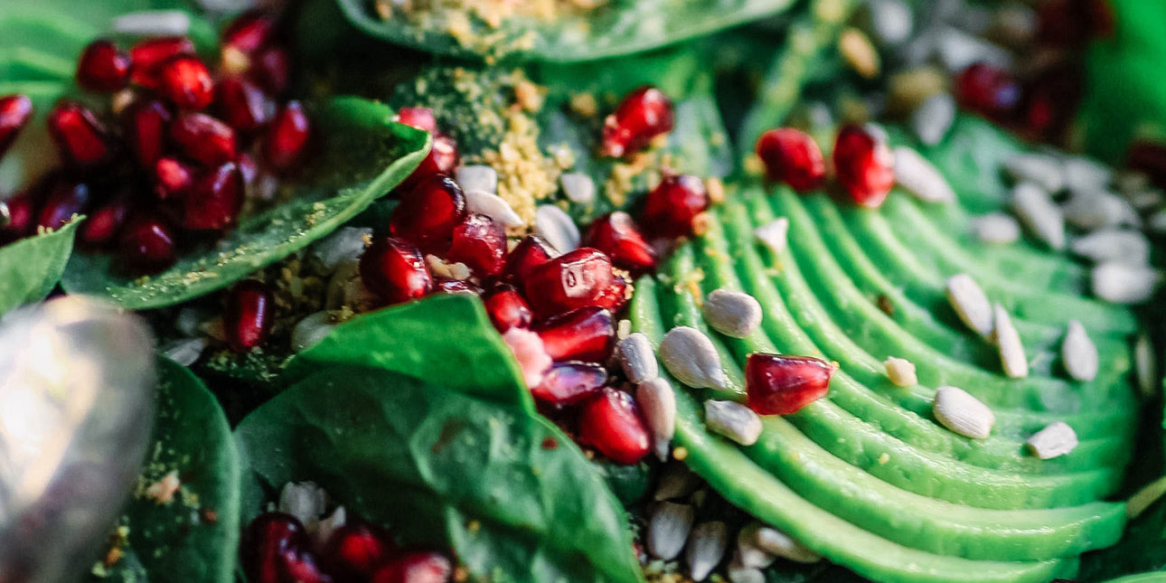 bare-biology-omega-3-avocado-salad-with-pomegranate