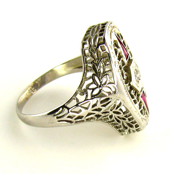 Art Deco Ring: Diamond & 18K White Gold Filigree Ring Side