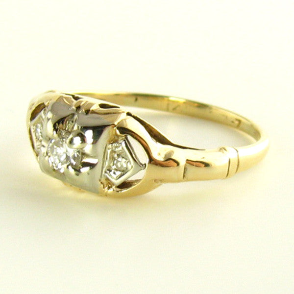Art Deco Transitional Diamond Ring in Yellow Gold Side
