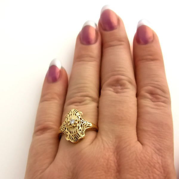 14K Art Deco Filigree Ring with Diamond in Yellow Gold - Beautiful Antique Jewelry - 5