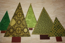 Load image into Gallery viewer, Christmas Tree Table Runner Pattern (Downloadable)