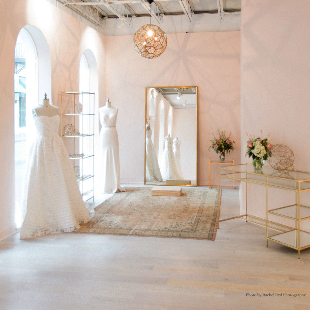 FIND YOUR BRIDAL GOWN IN A LOVELY BRIDAL SHOP
