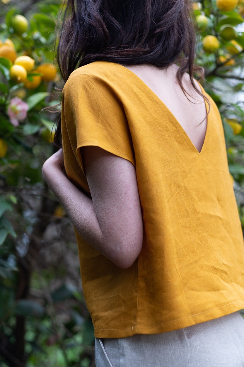 Reverse V-Top, wattle linen