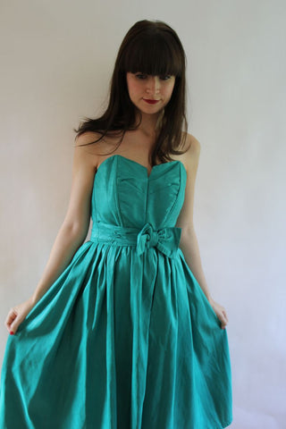 vintage emerald green dress