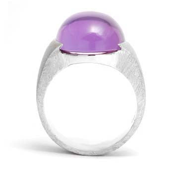Ladies Amethyst Cabochon Ring