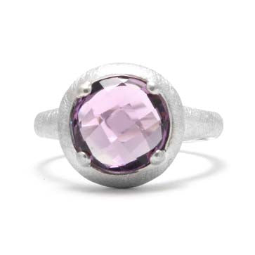 Ladies Amethyst Solitaire Ring