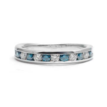 Ladies Blue and White Diamond Ring