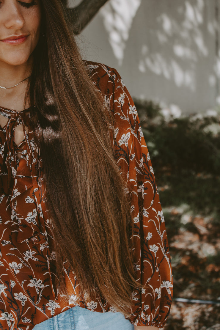 WILLOW FLORAL AND RUFFLED BLOUSE