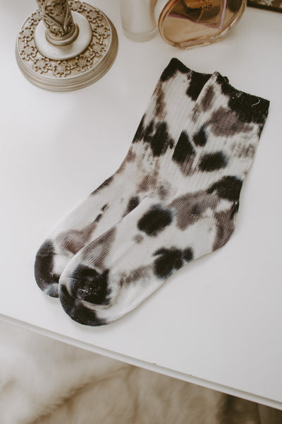 THEO TIE DYE CREW SOCKS | BLACK + WHITE