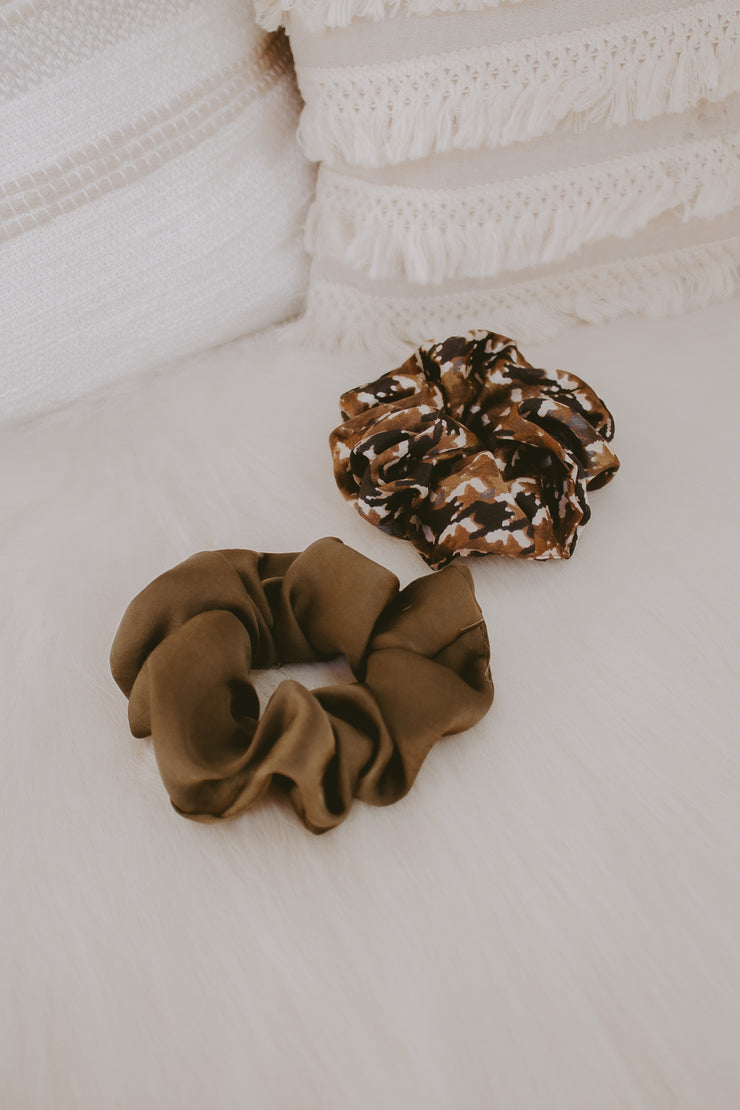 SATIN CAMO SCRUNCHIE SET
