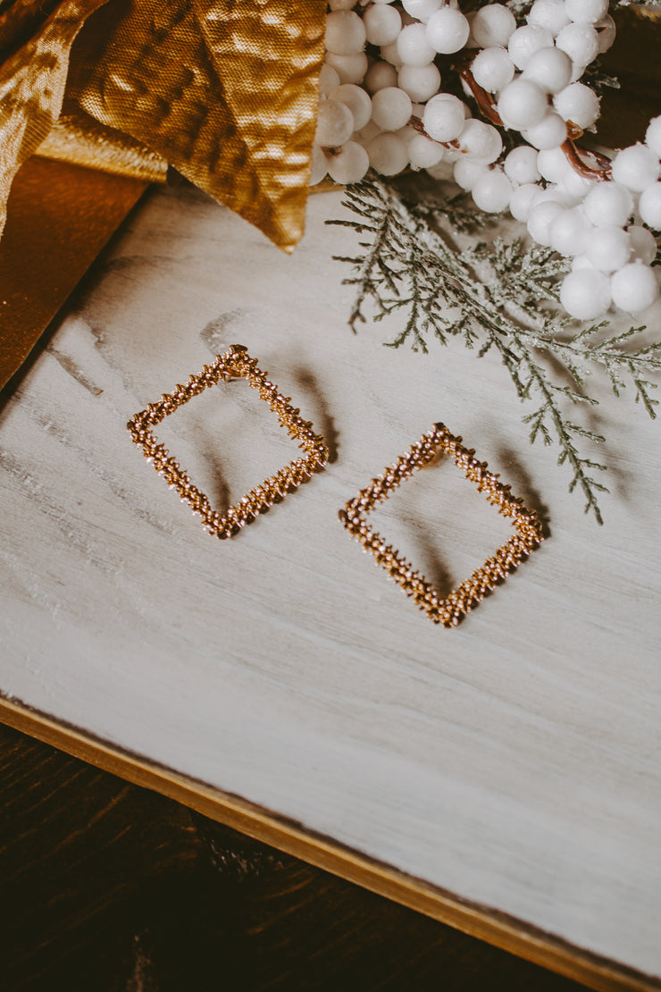 LOOKING LOVELY SQUARE EARRINGS