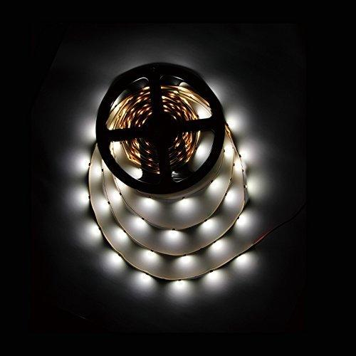 High CRI > 90 DC 12V SMD3528-150 Flexible LED Strips 30 LEDs Per Meter 8mm Width 150lm Per Meter
