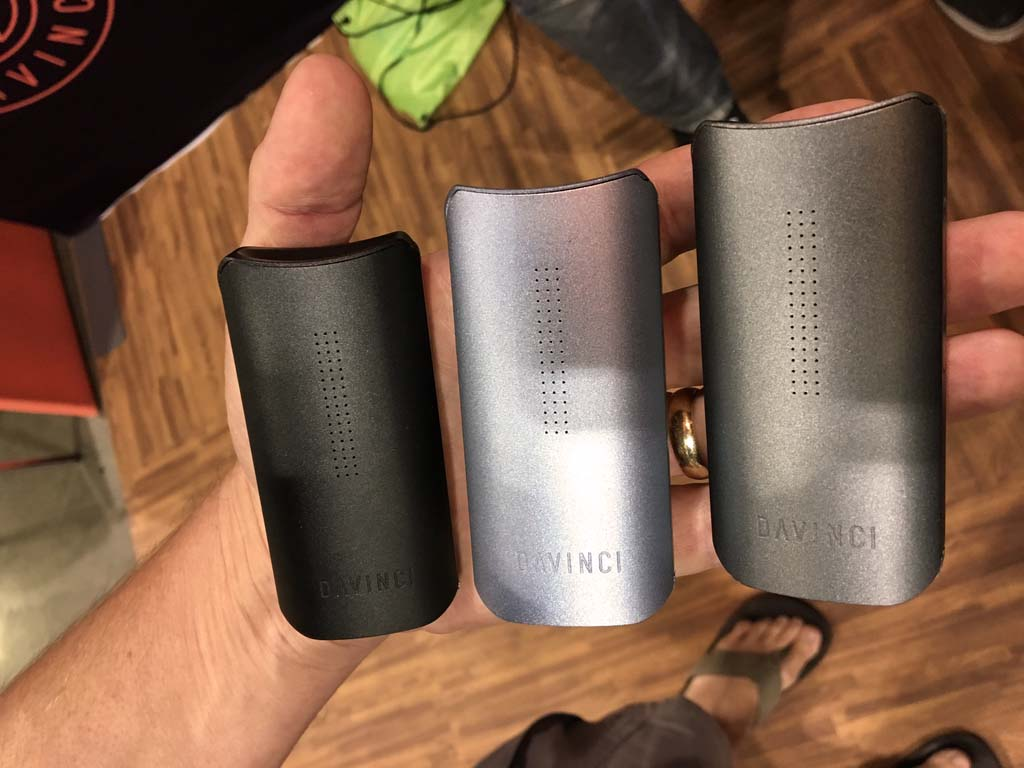 DaVinci IQ Vaporizer Color - Planet of the Vapes