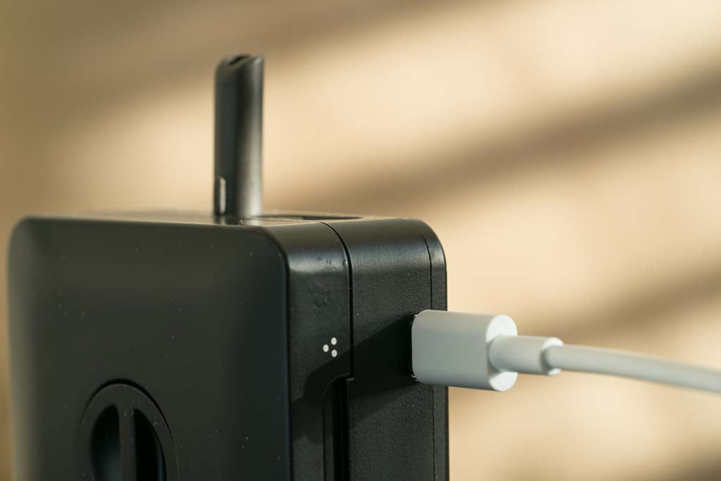 Detail of the Haze Square Vaporizer Charging