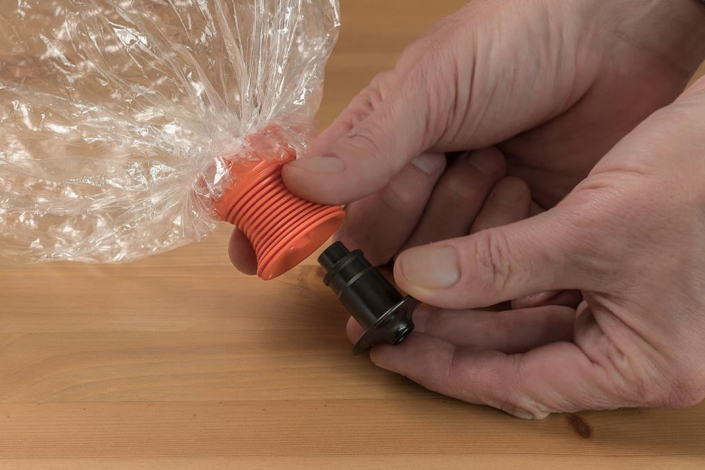 Inserting the Easy Valve in the Volcano Vaporizer Bag