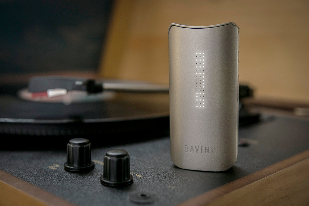 DaVinci IQ Vaporizer - Planet of the Vapes