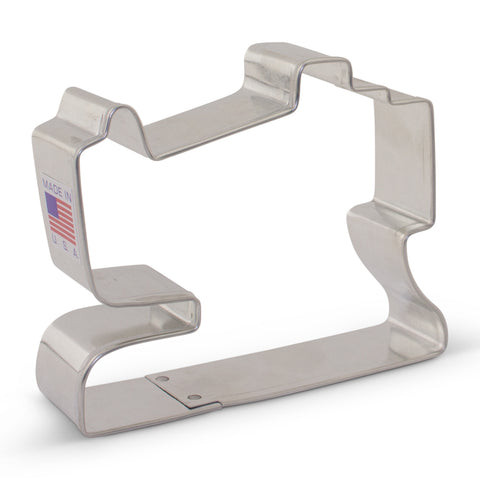 "Sewing Machine Cookie Cutter 2 7/8"" x 3 1/4"""