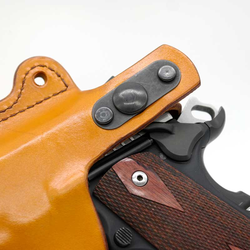 Maverick™ Shoulder Holster