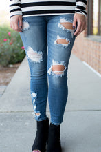 Load image into Gallery viewer, Darling In Distress Jeans  (Medium Wash)