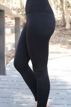 Load image into Gallery viewer, Amazing Fleeced Lined Leggings (Black)