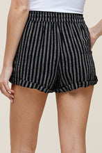 Load image into Gallery viewer, Summer Heat Shorts (Black)